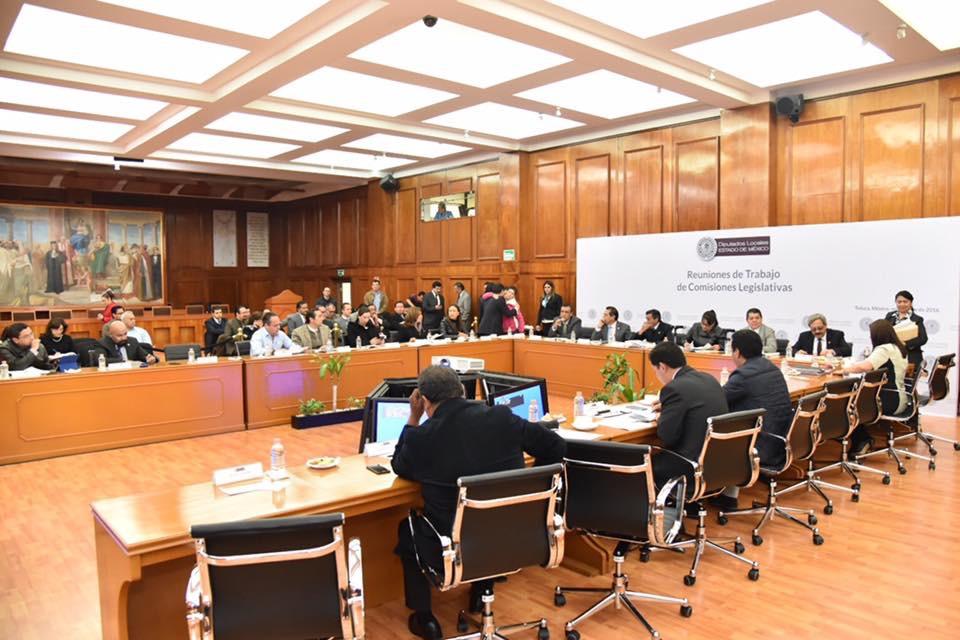 Rechaza MORENA paquete fiscal 2017; se aprueba por mayoría