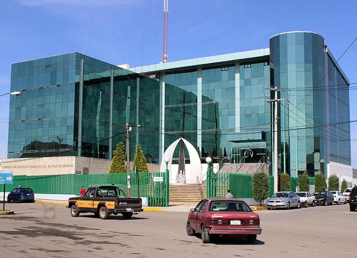 Muere en galeras de Atlacomulco; policías vulneraron derechos humanos