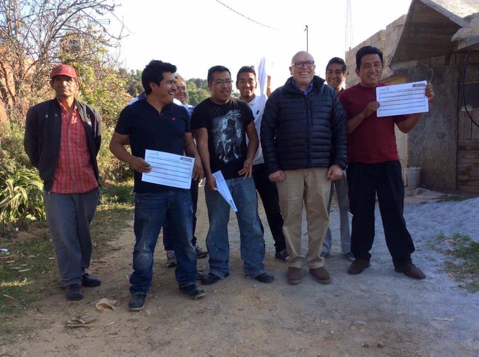 """Ya tengo mis 328 mil firmas"", dice Pastor Medrano"