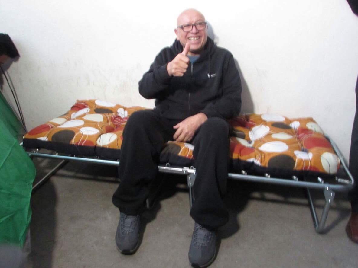 Dejan sin candidatura y debate a Pastor; inicia huelga de hambre