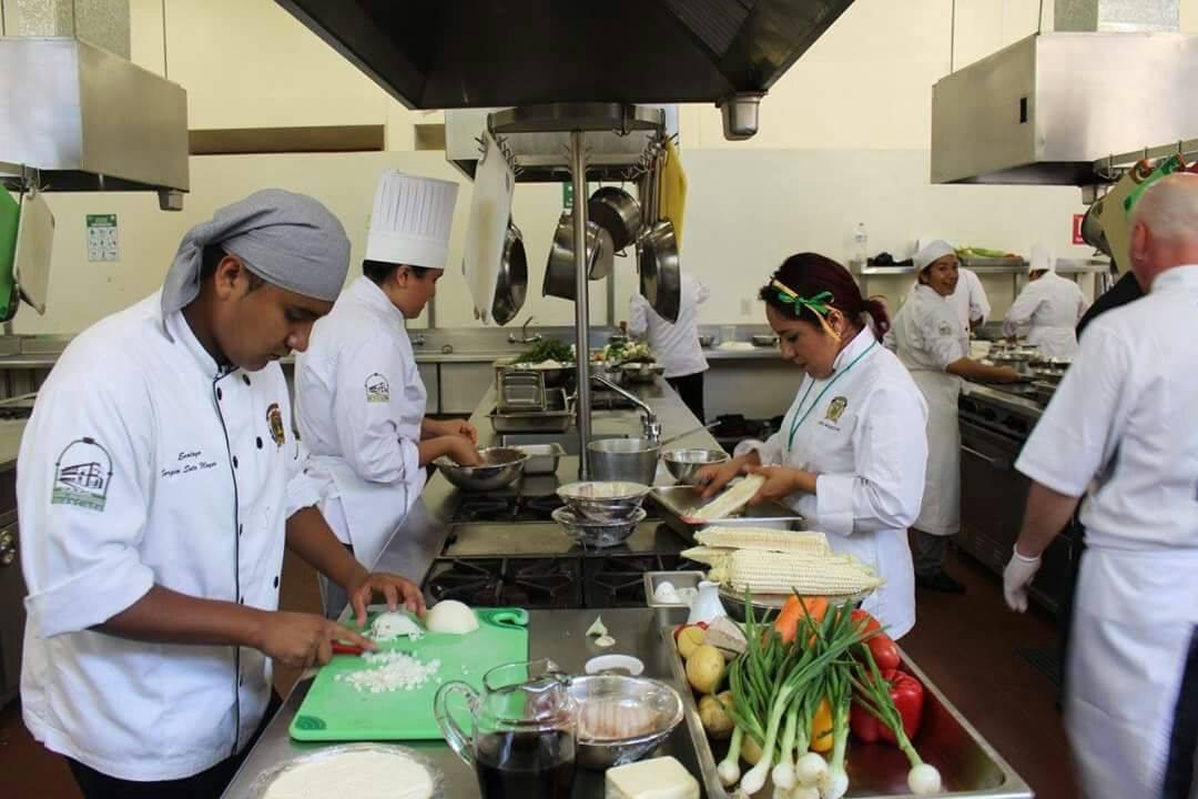 Experimentan con Gastrotecnológica en UAEM-Tenancingo