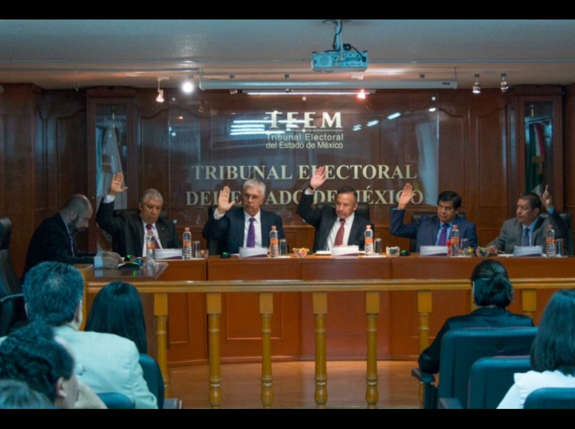 """De golpe"", desestima TEEM 45 impugnaciones de MORENA"