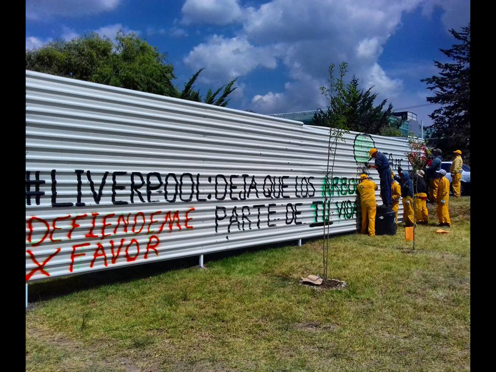 Dejan perredistas campamento de Abracemos Tollocan
