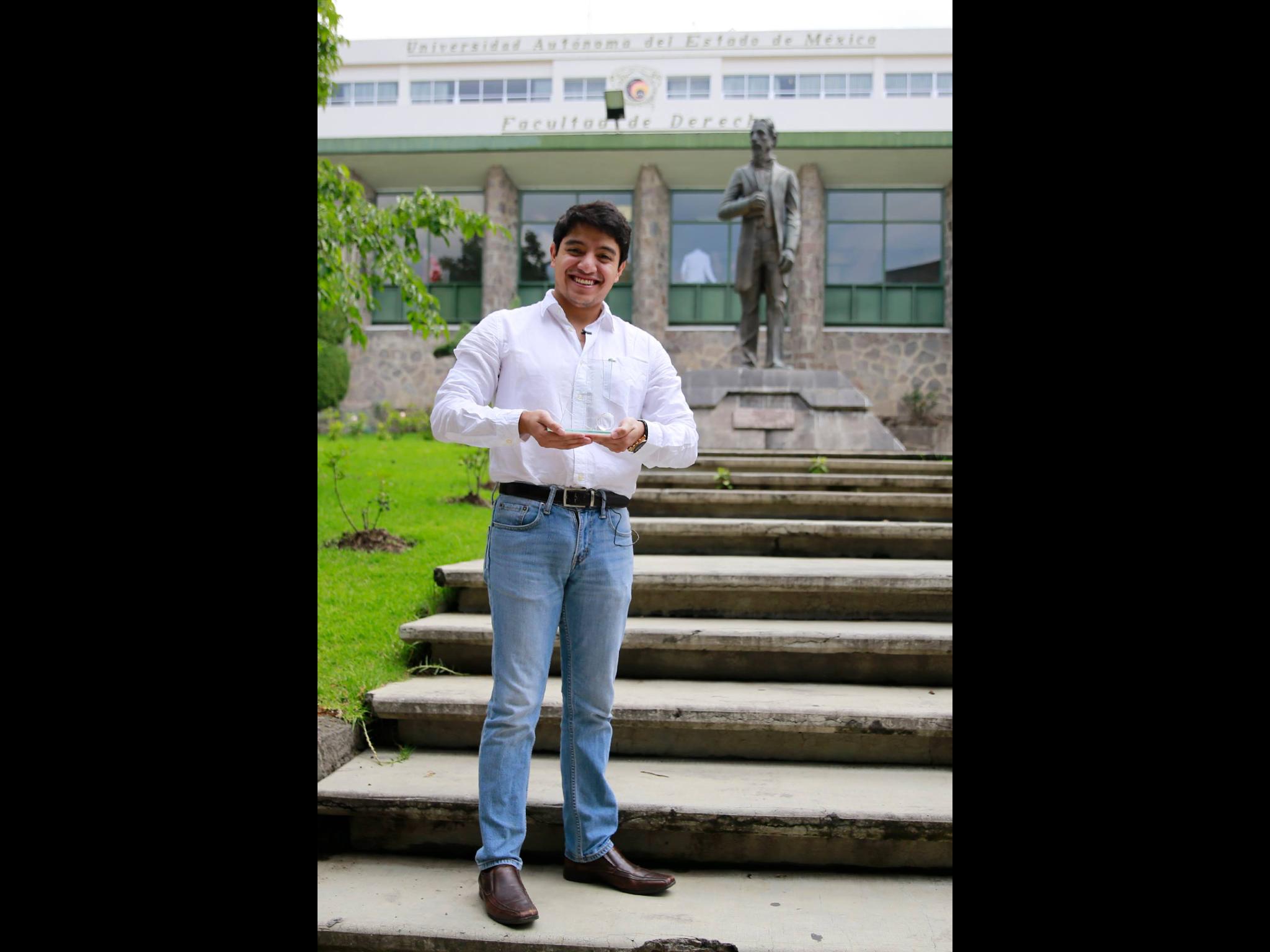 Estudiante UAEM recibe reconocimiento en Modelo de Naciones Unidas del CIDE