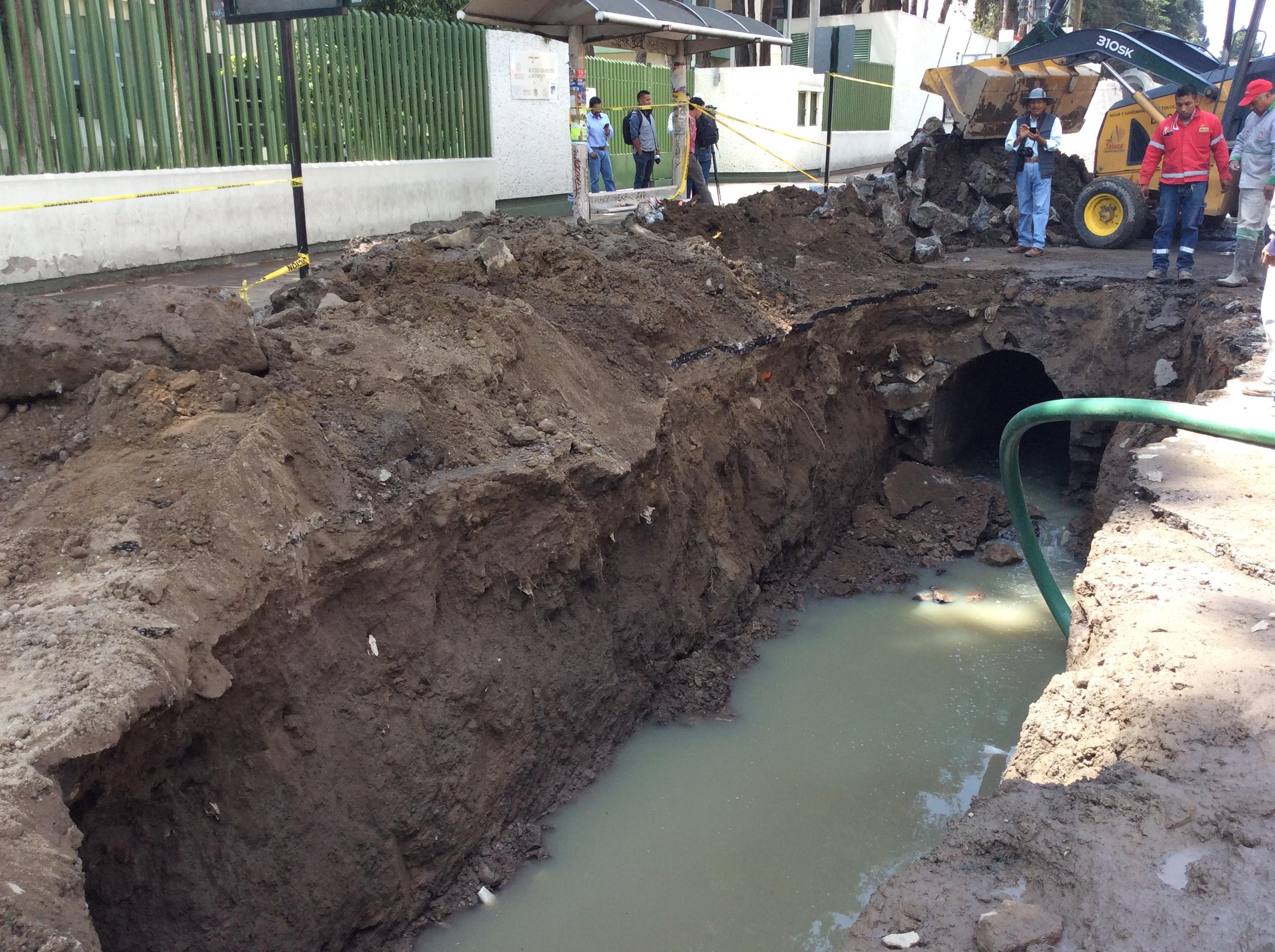 No descartan más socavones en Toluca, lluvia aumenta el riesgo
