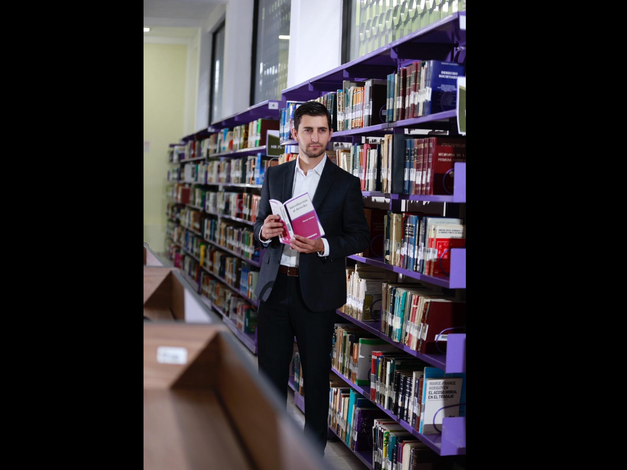 De UAEM a Oxford, la historia de Antonio Abraham