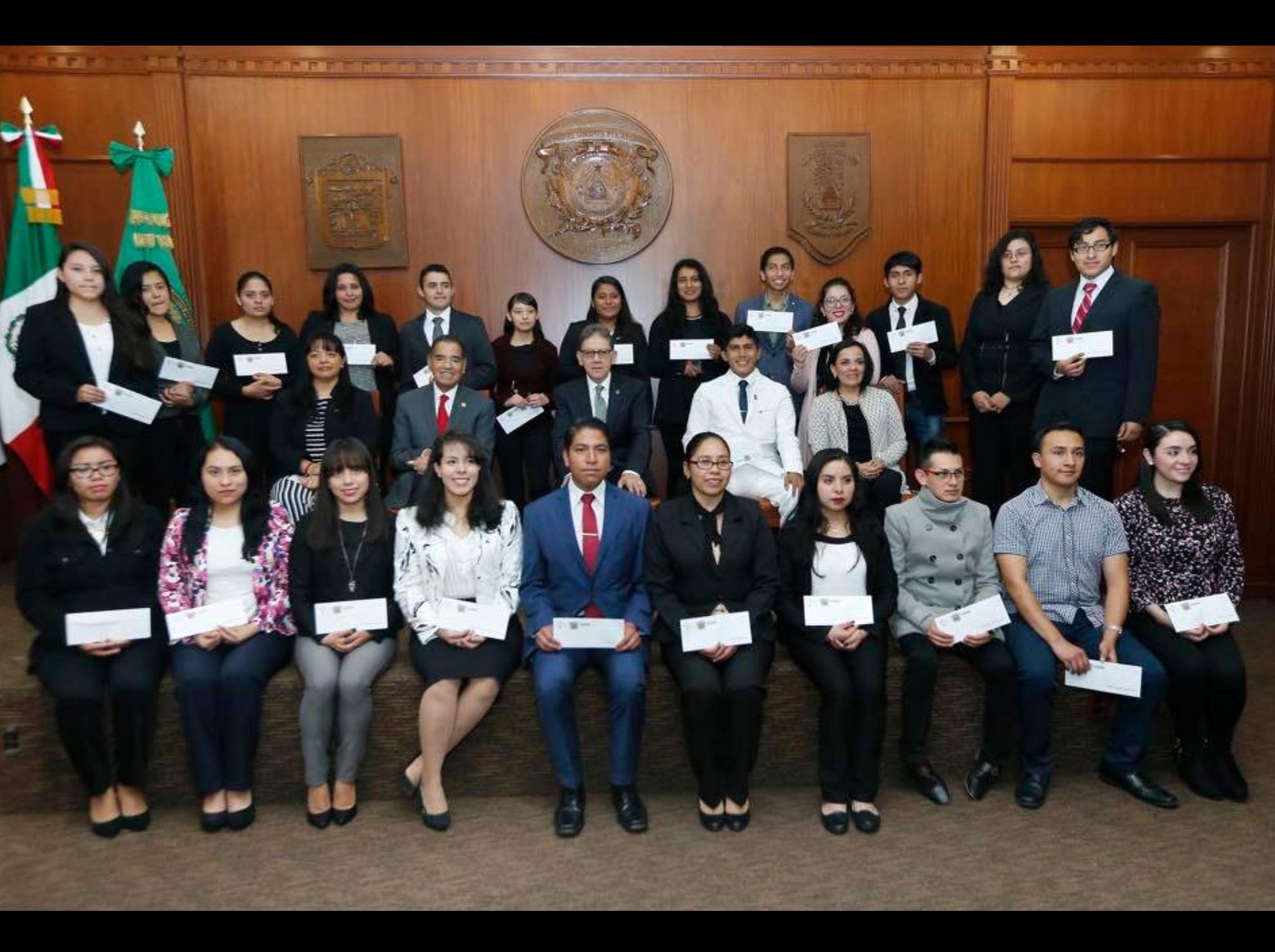Becan al talento estudiantil en UAEM