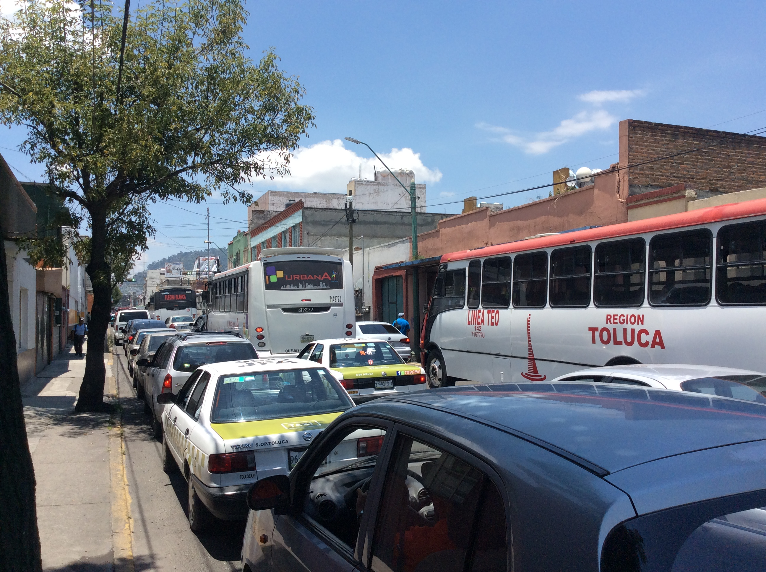Pide ONG transparentar justificación de alza en transporte