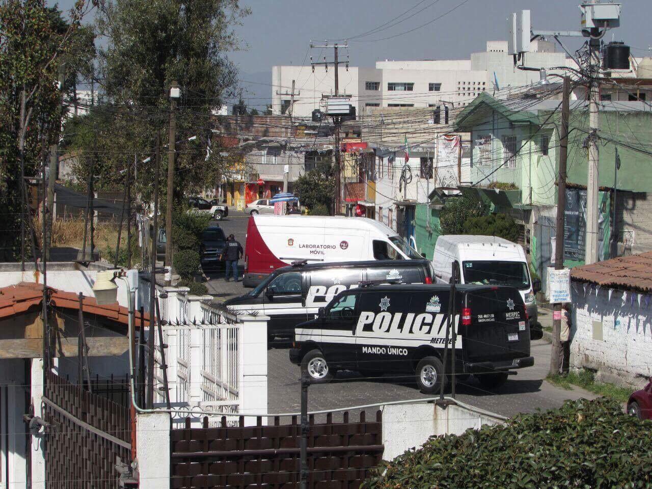A tiros, asesinan a dos en Metepec