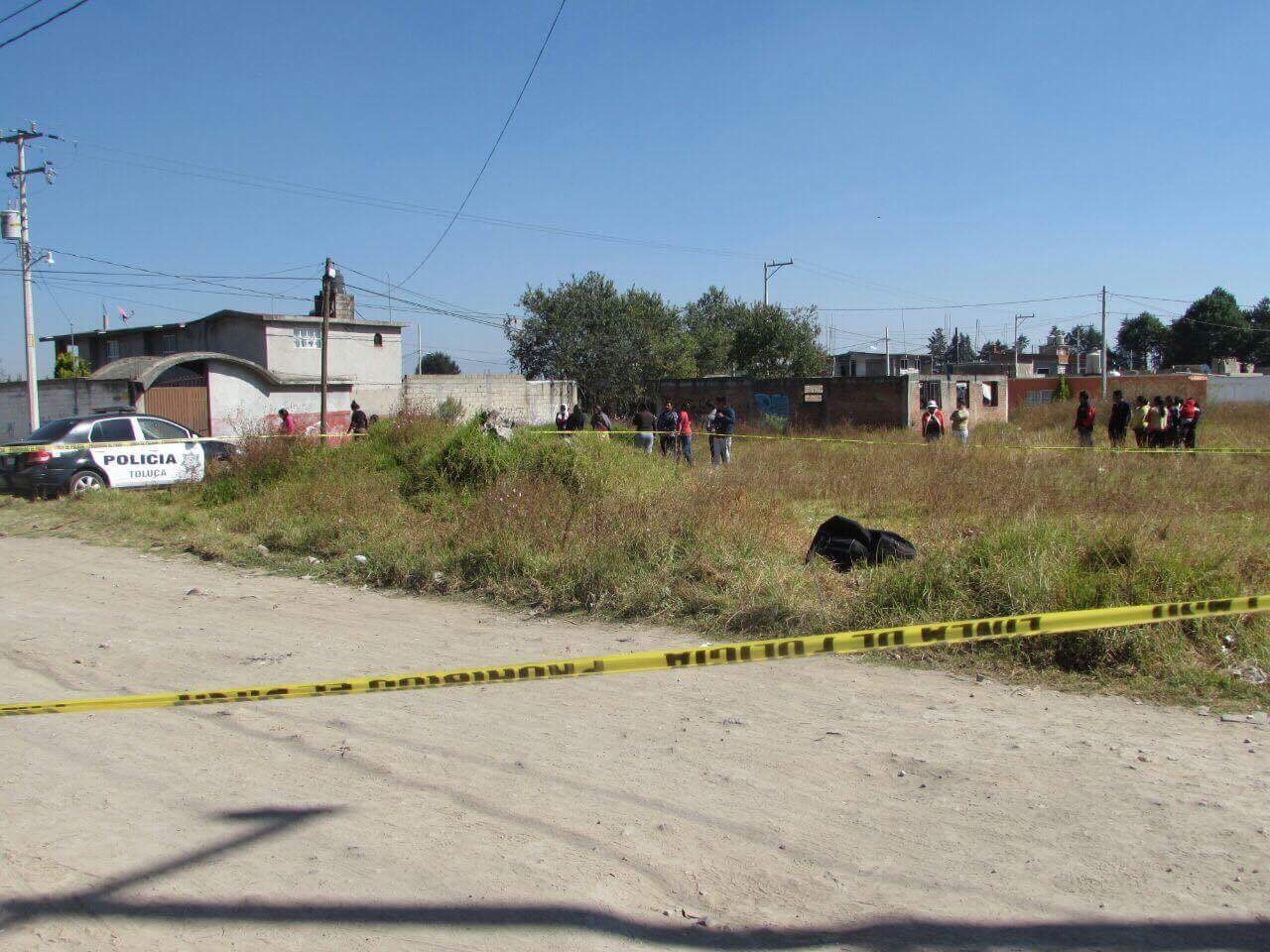 Abandonan enmaletado en Toluca