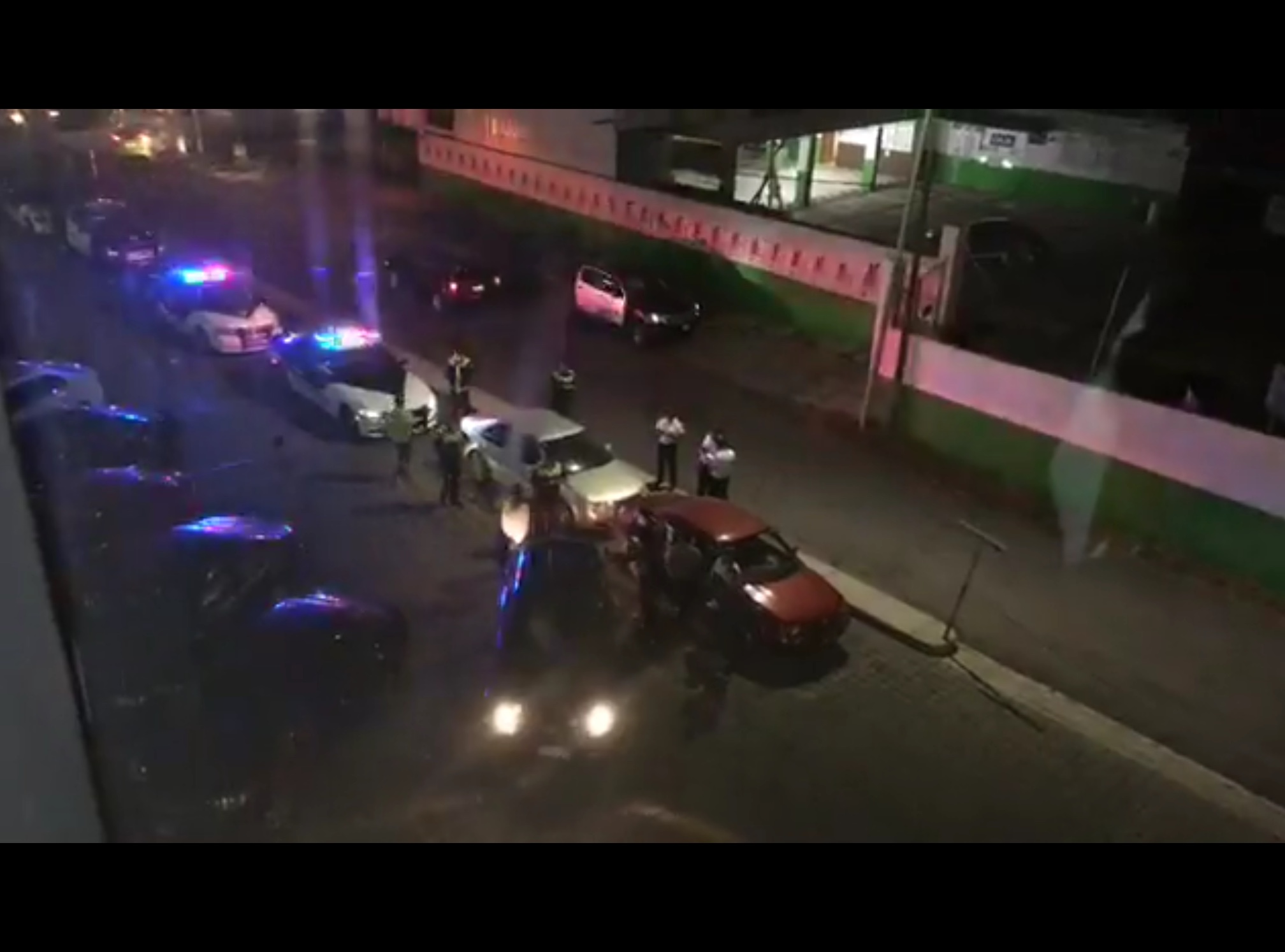 Comando irrumpe en gimnasio de Toluca y roban a usuarios