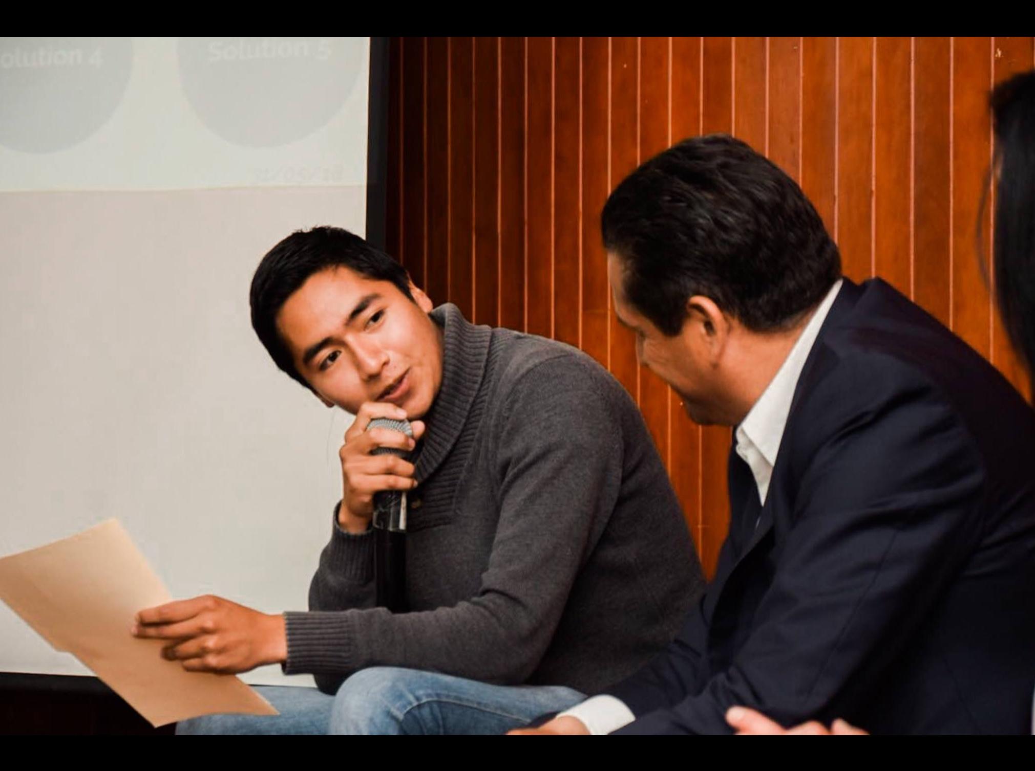 Dialoga Gerardo Pliego con comunidad universitaria