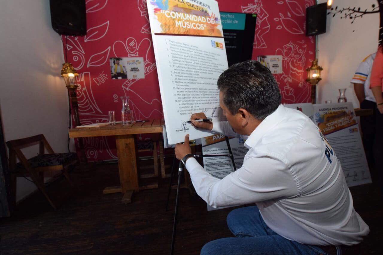 Firma Pliego compromiso con cultura de Toluca