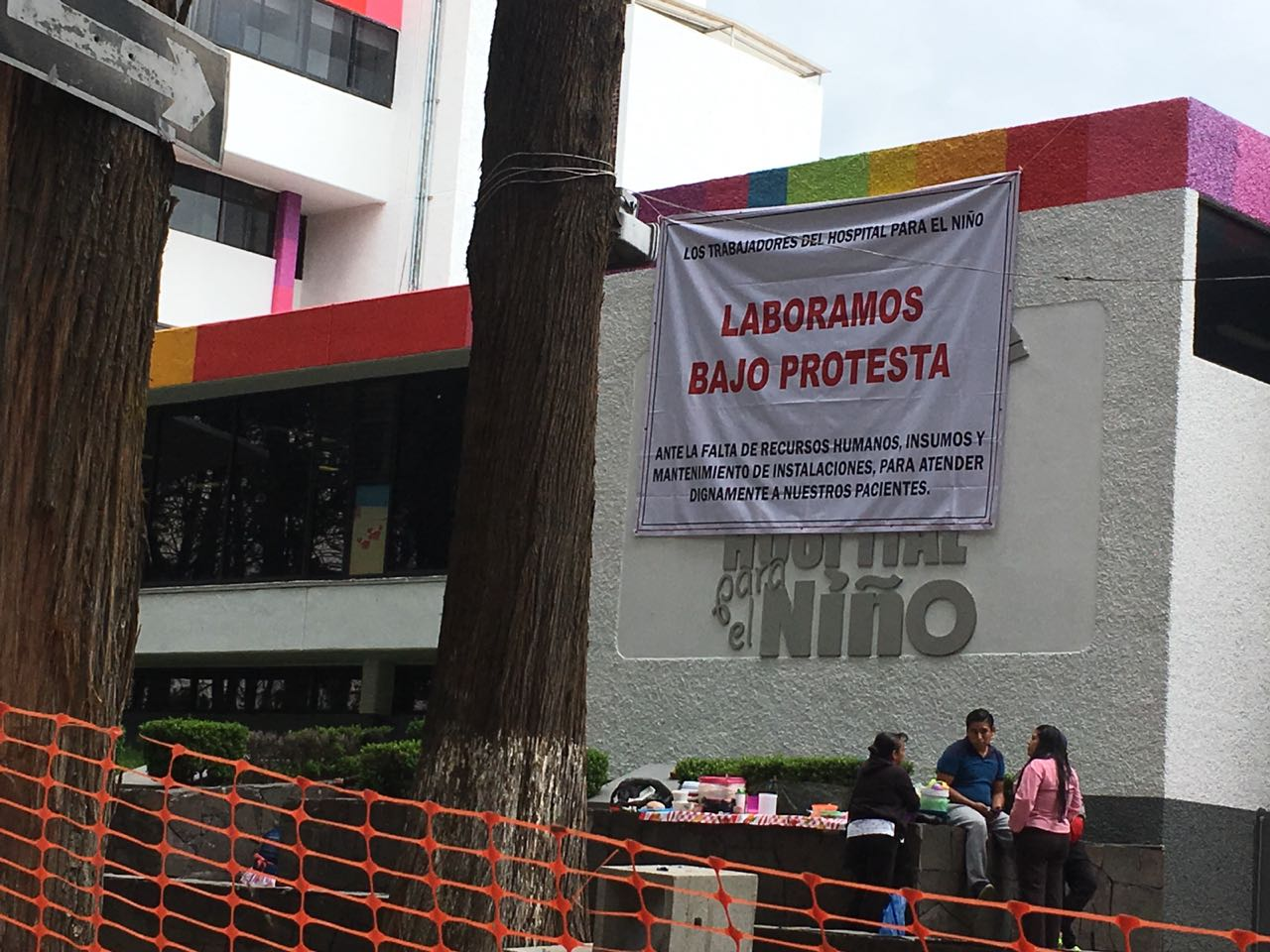 Escasez de insumos en Hospital del Niño; personal trabaja bajo protesta