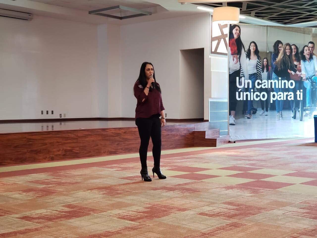 Ante alumnos del Tec, Gamboa presenta agenda para Metepec