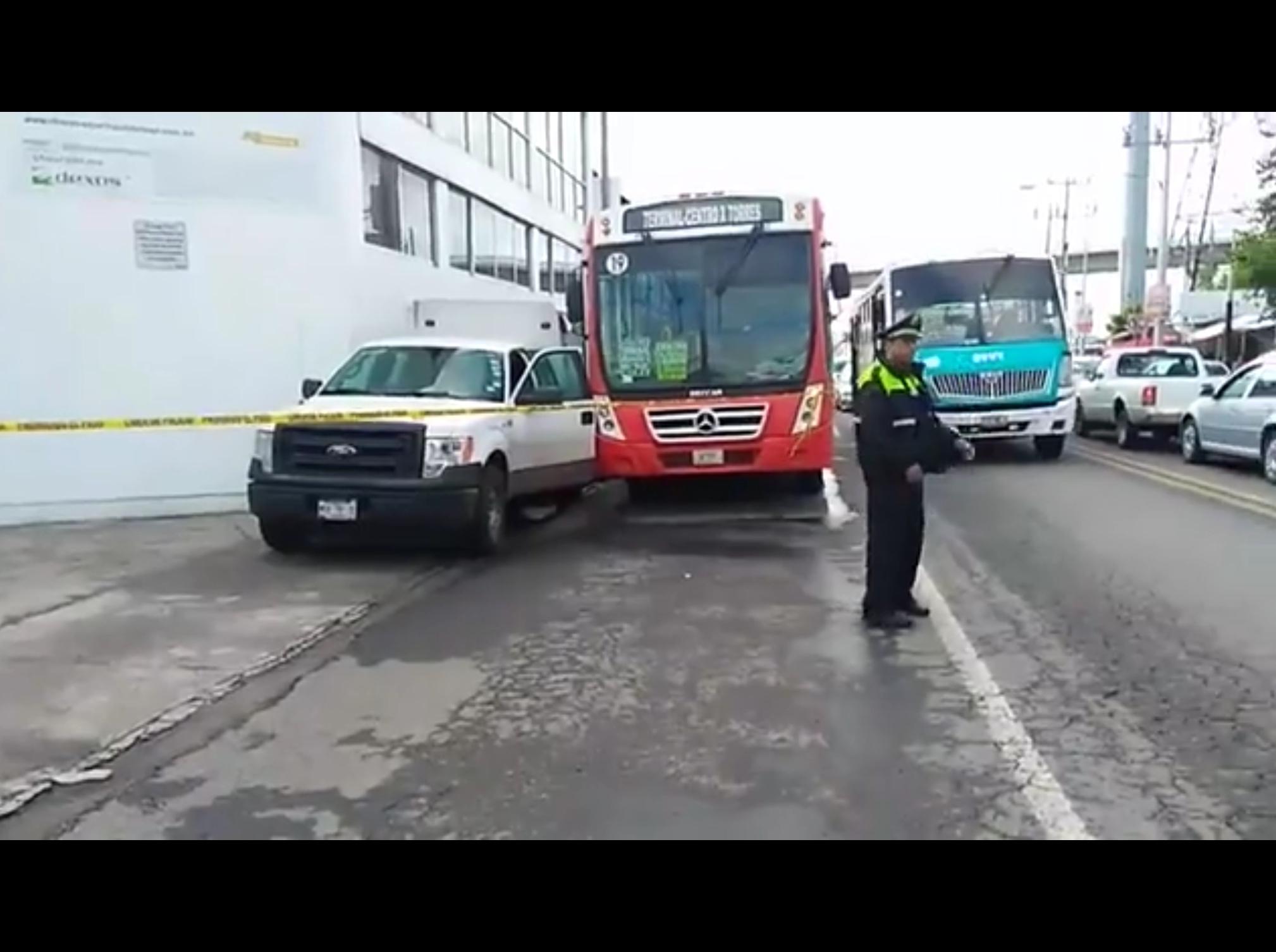 Por resistirse a asalto asesinan a hombre en transporte público