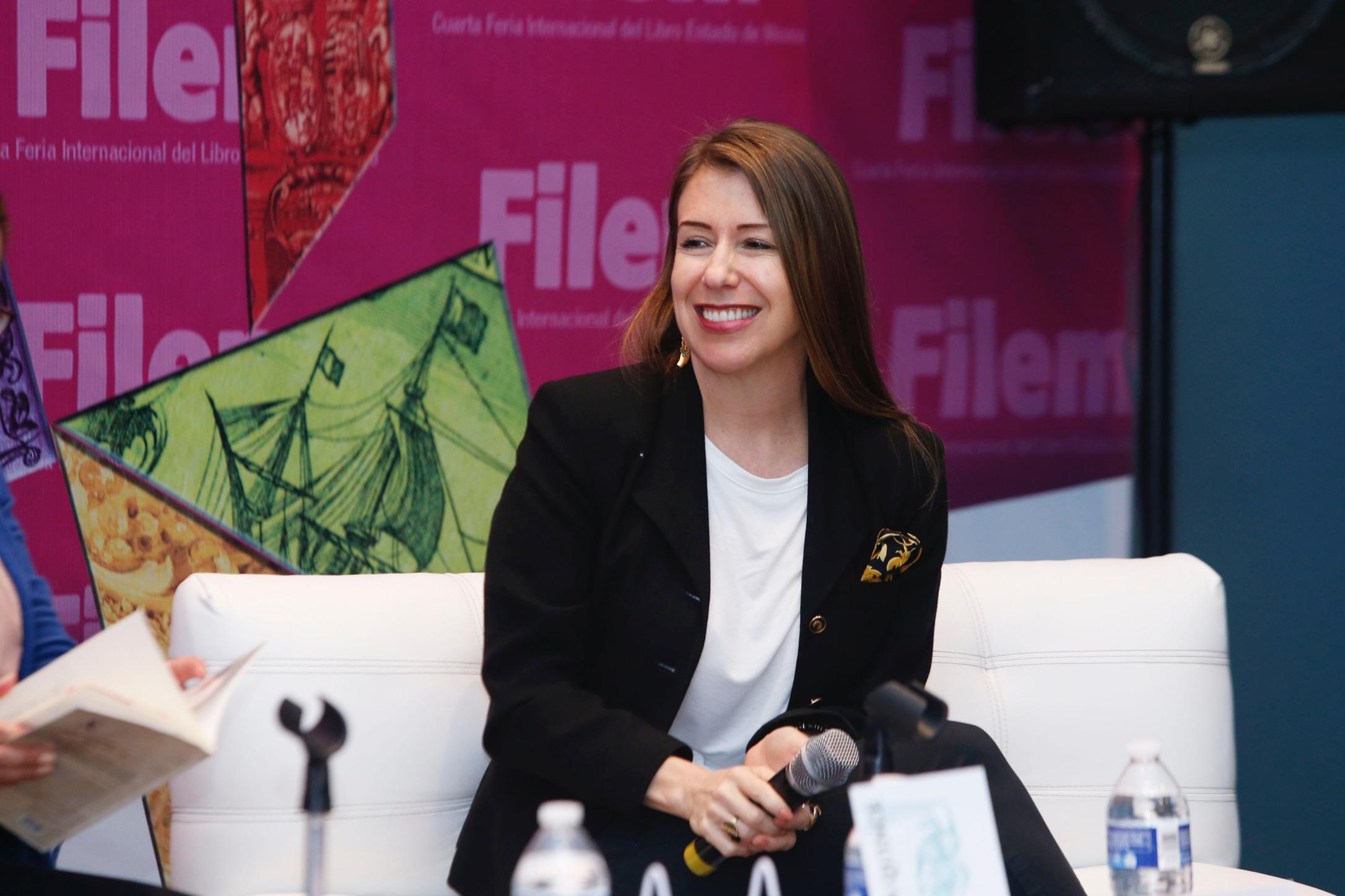 La cultura es para todo el mundo: Julia Santibáñez