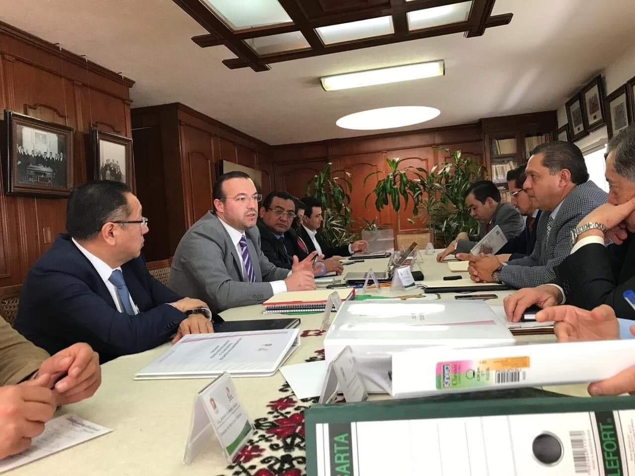 """Piden cuentas a administración de """"El Profe""""Zamora"""