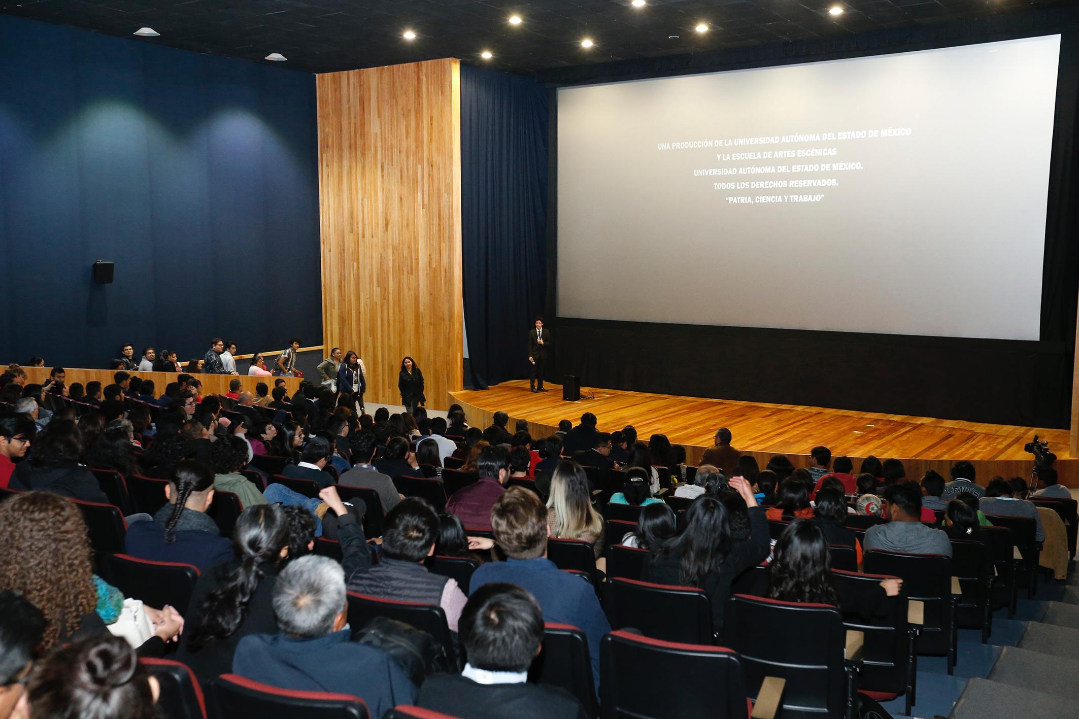 Universitarios llevan su trabajo a la pantalla grande