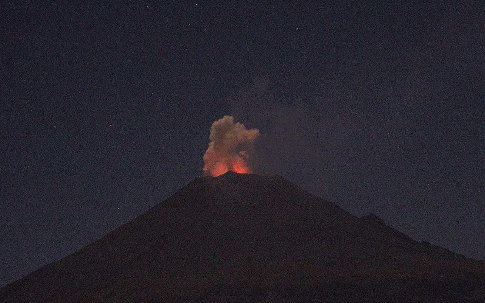 Sugiere Cenapred no acercarse al Popocatépetl