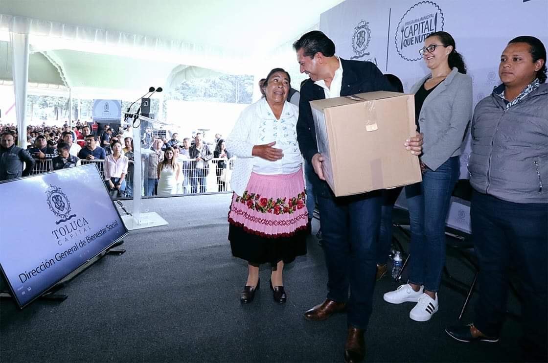 Reparte JuanRo 15 mil canastas alimentarias