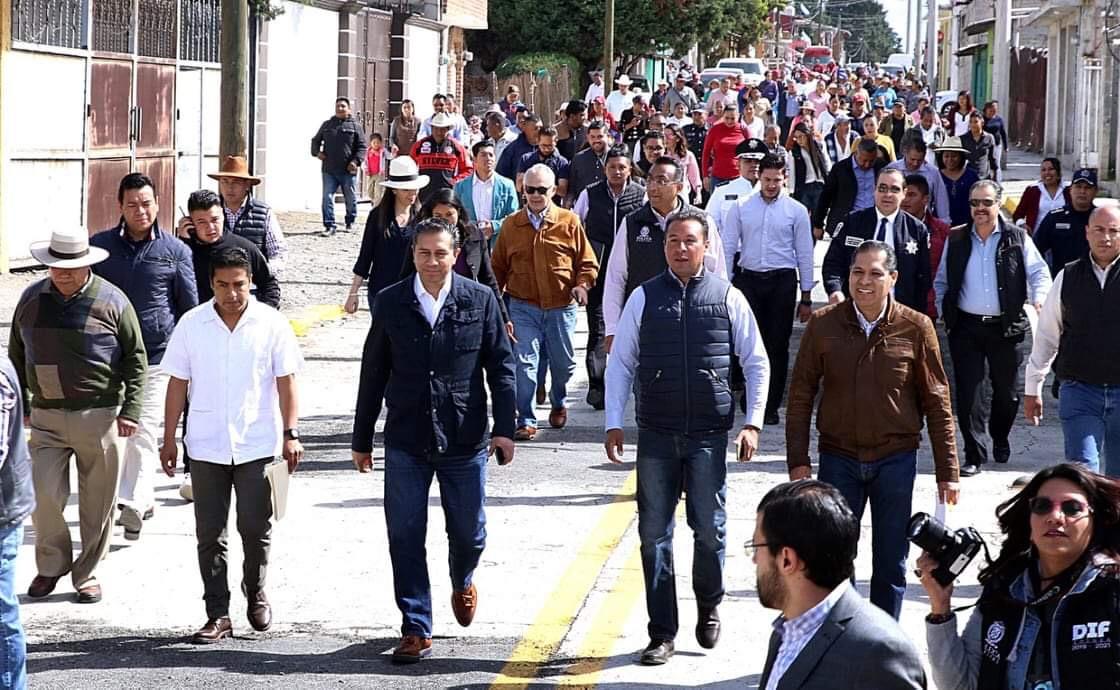 Promete JuanRo 500 patrullas nuevas para Toluca