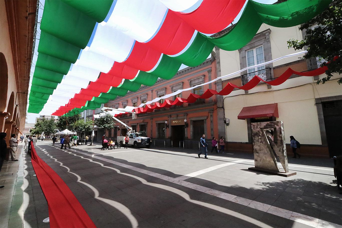 Toluca se viste tricolor
