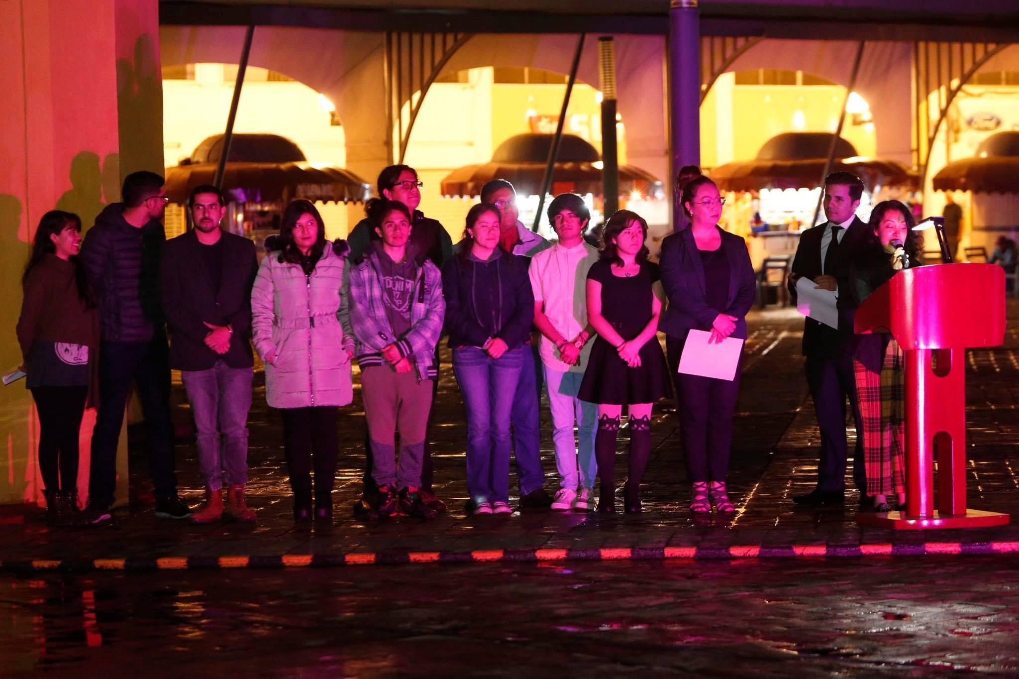 Universitarios proyectan su talento en espacios públicos