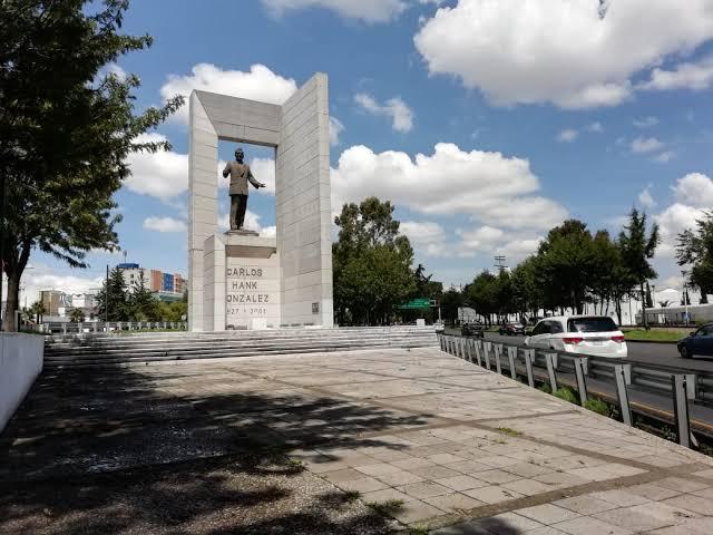 Insiste Chavarría en quitar monumento de Hank González