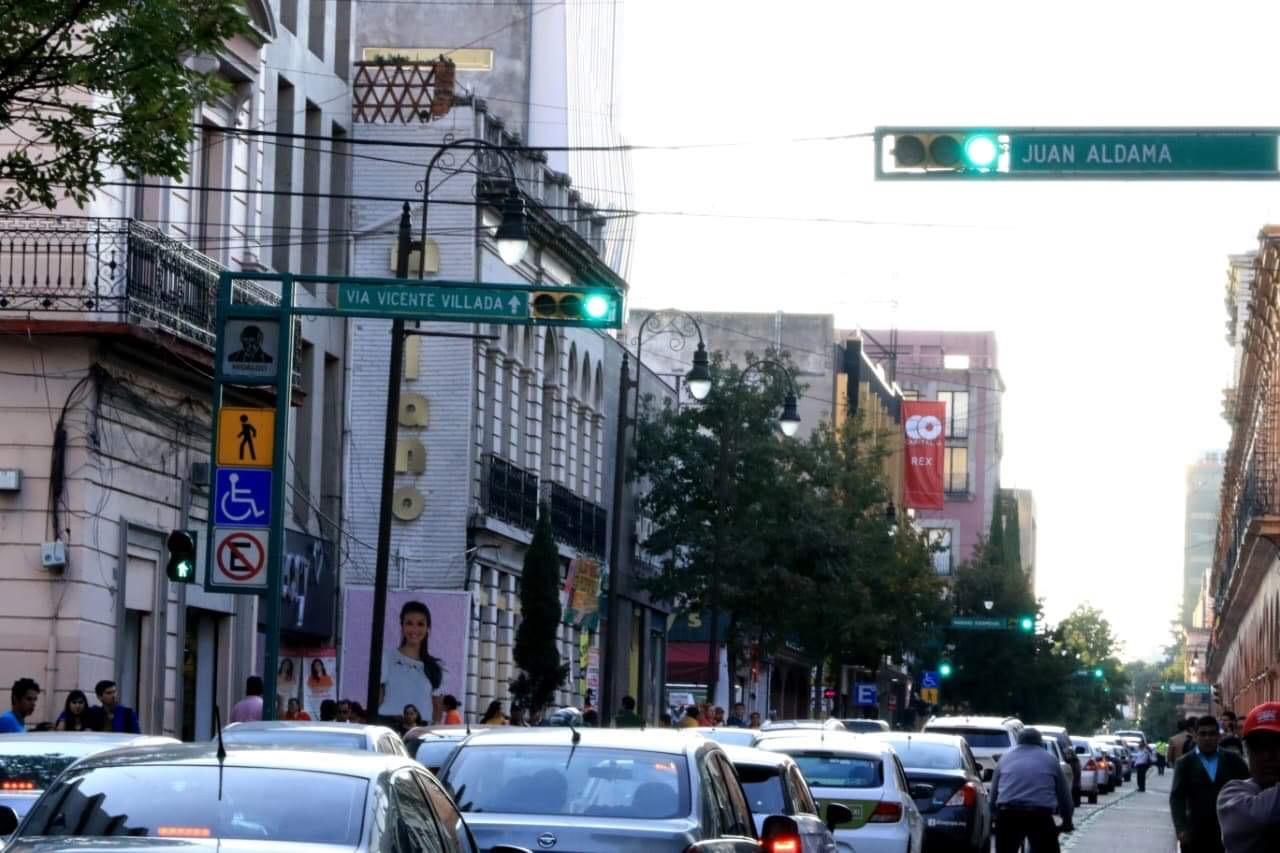 Anuncian reprogramación de semáforos en Toluca