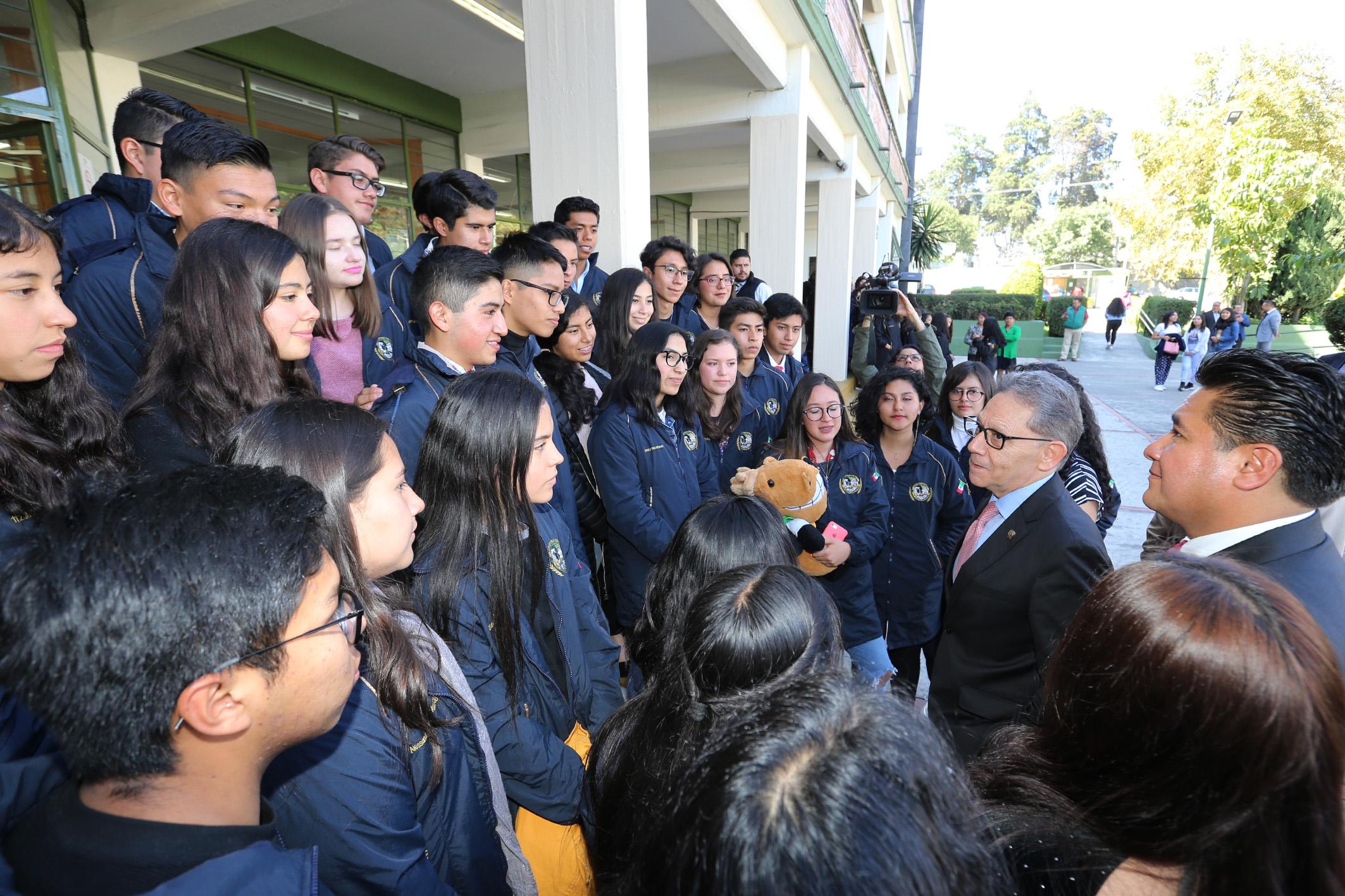 UAEM garantiza educación de alta calidad: Alfredo Barrera