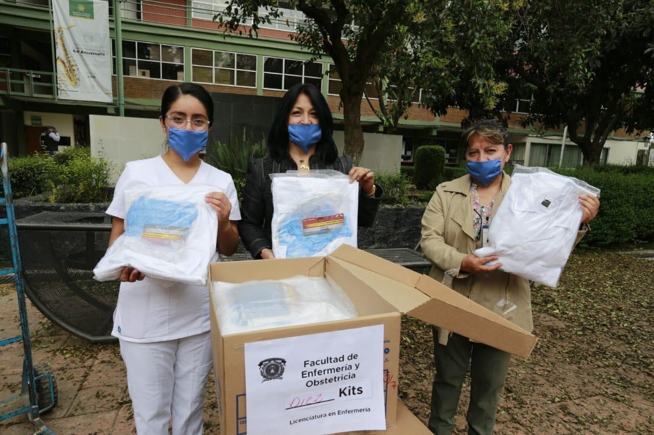 Equipa UAEM a estudiantes de servicio social en sector salud