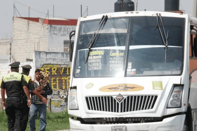 Asaltan camión y matan a uno en Toluca