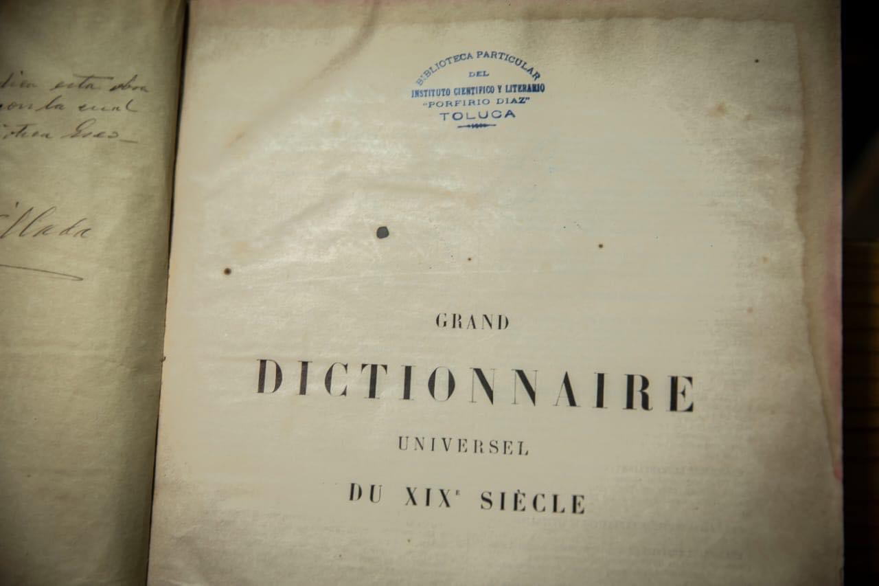 UAEM posee libros que datan del siglo XVIII