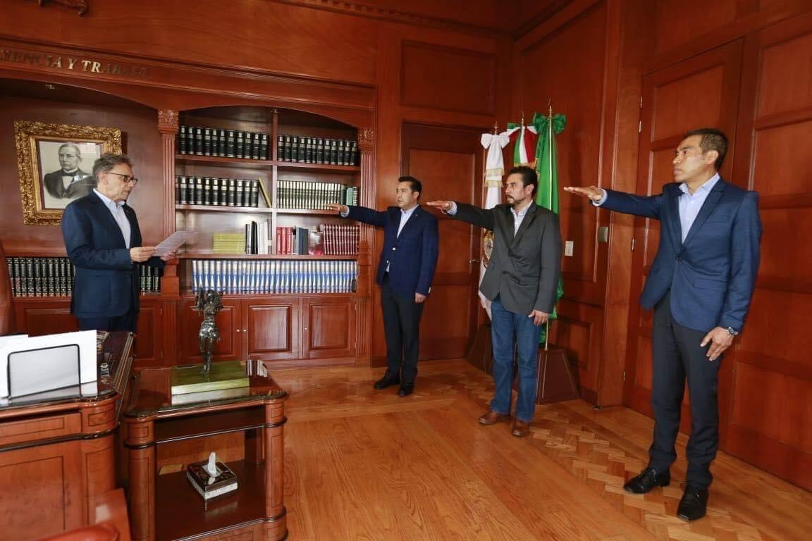 Alfredo Barrera ajusta gabinete de UAEM