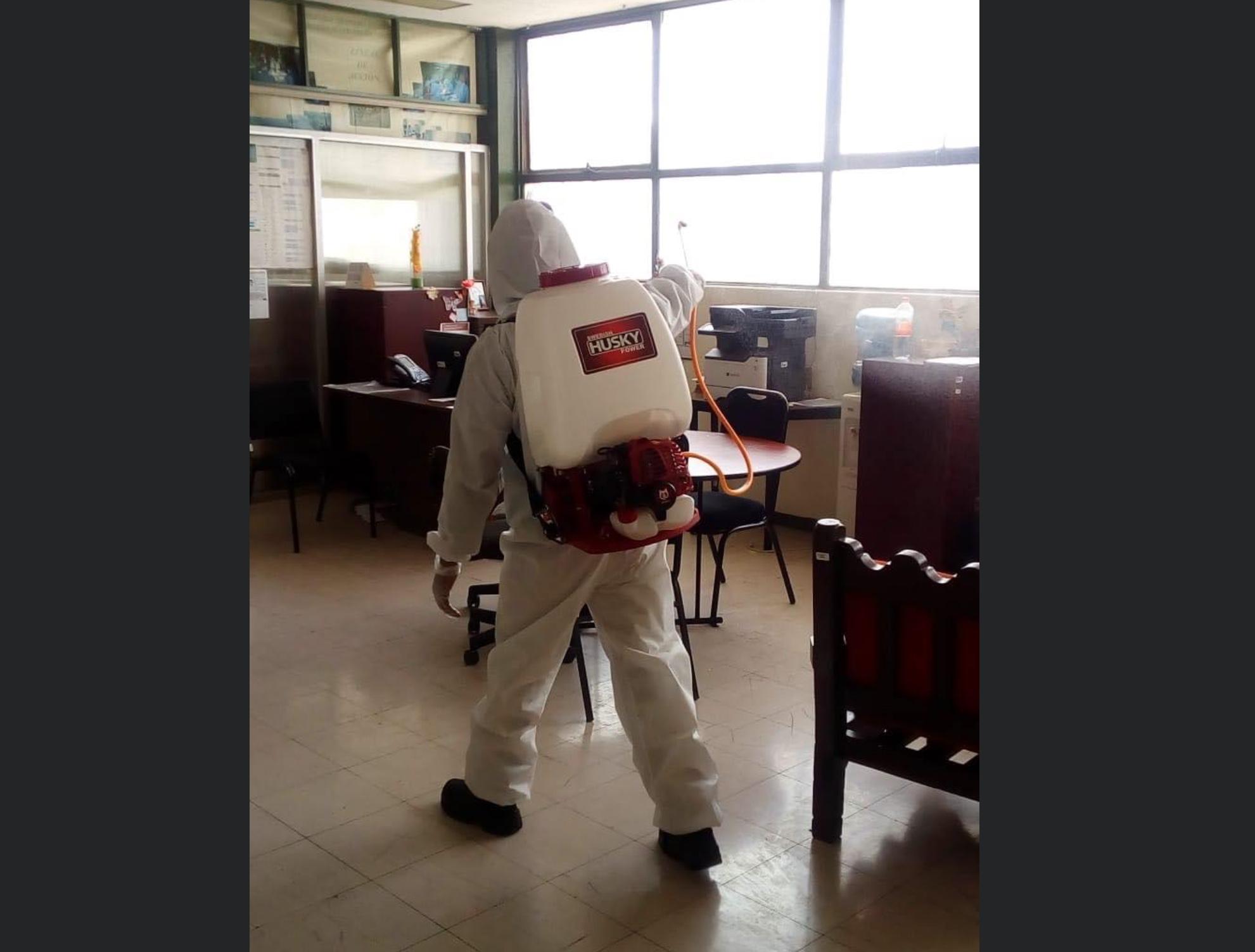 Sanitizan instalaciones de UAEM