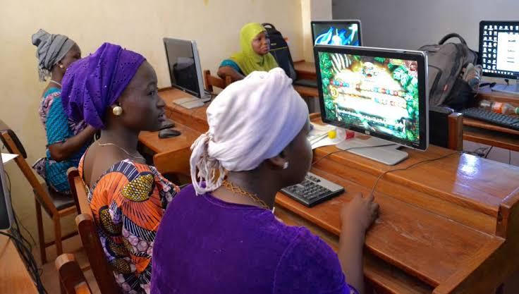 Empoderamiento femenino contempla disminuir brechas de desigualdad