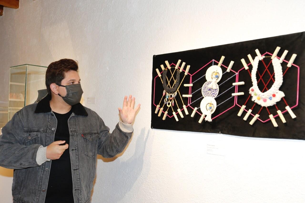 """UAEM exhibe """"Imaginarios populares en el diseño universitario"""""""