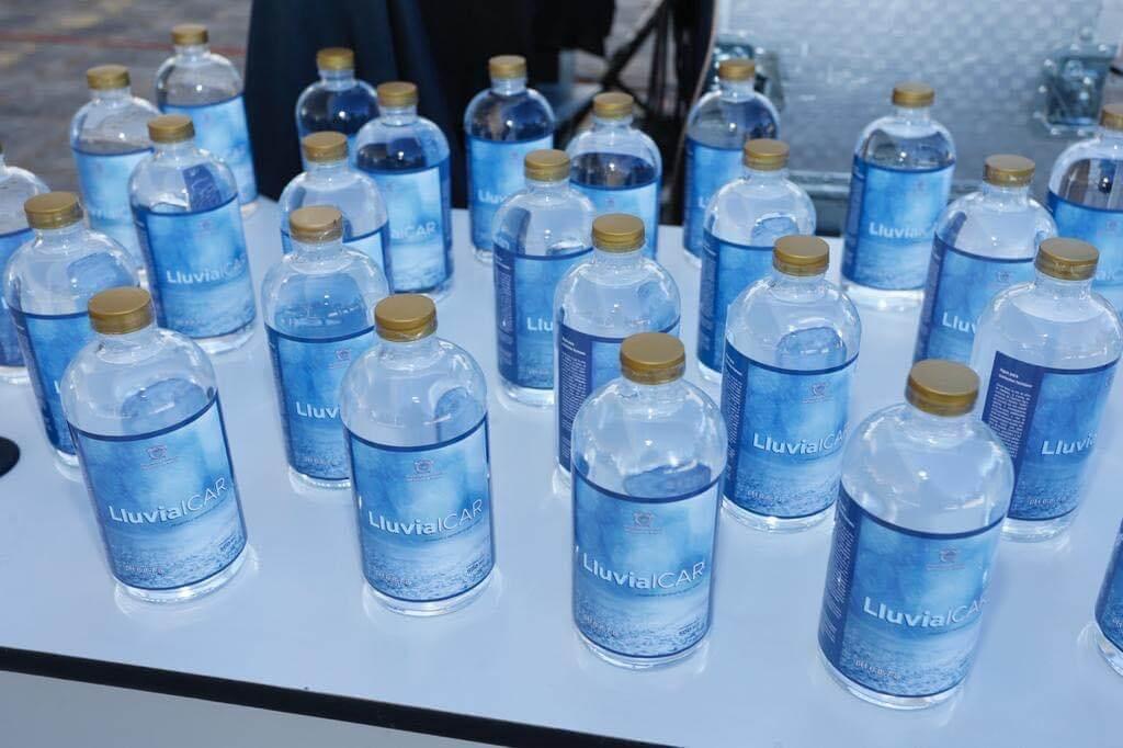 UAEM embotella agua de lluvia para consumo humano