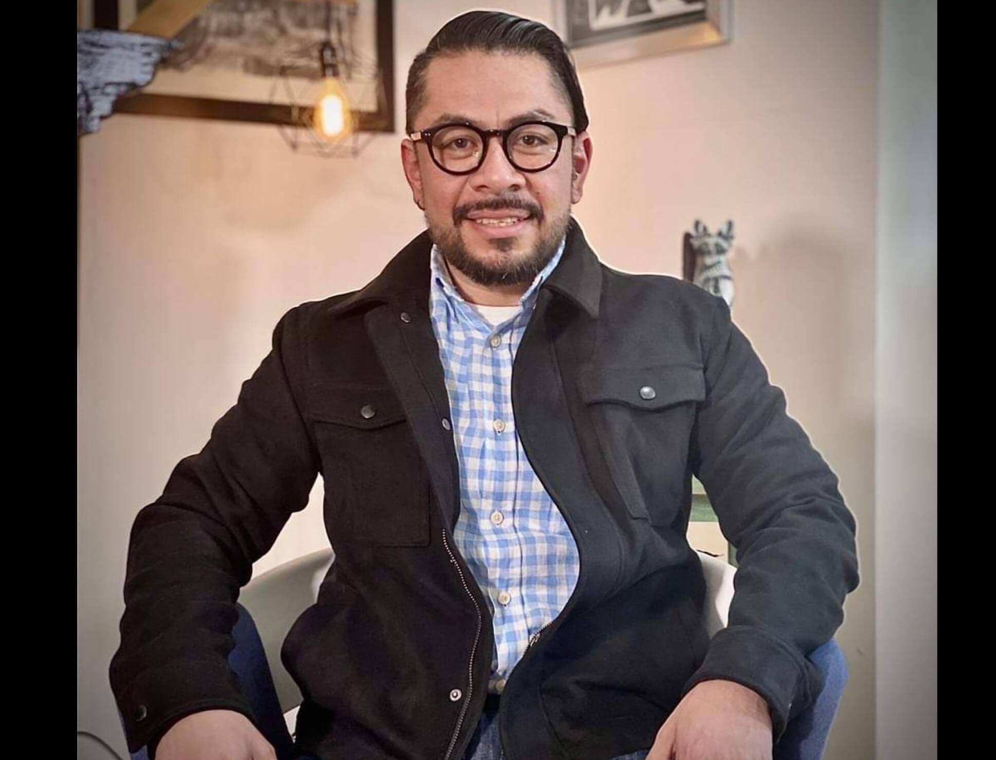 Daniel Serrano al IEEM; representará a MORENA en Edoméx