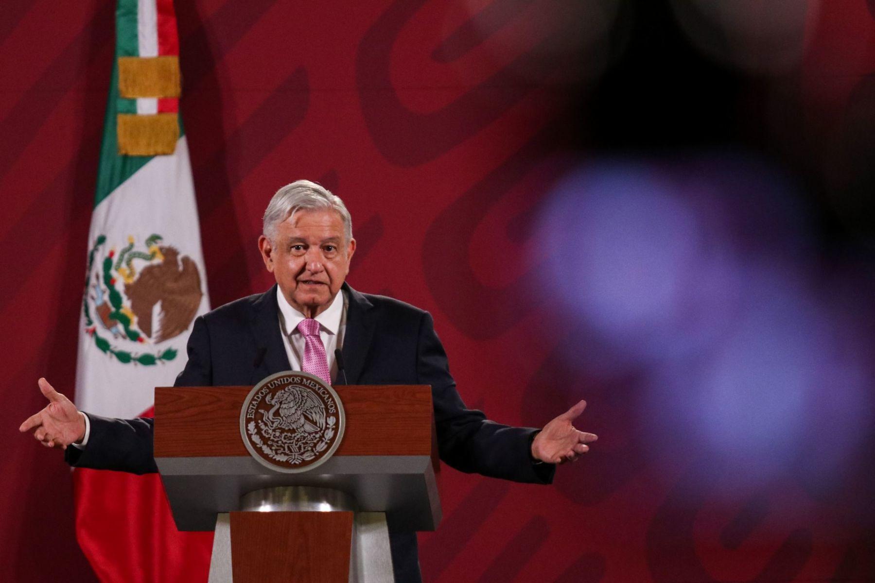 """Dos reformas emblemáticas de """"La 4T"""", en lo local y federal"""