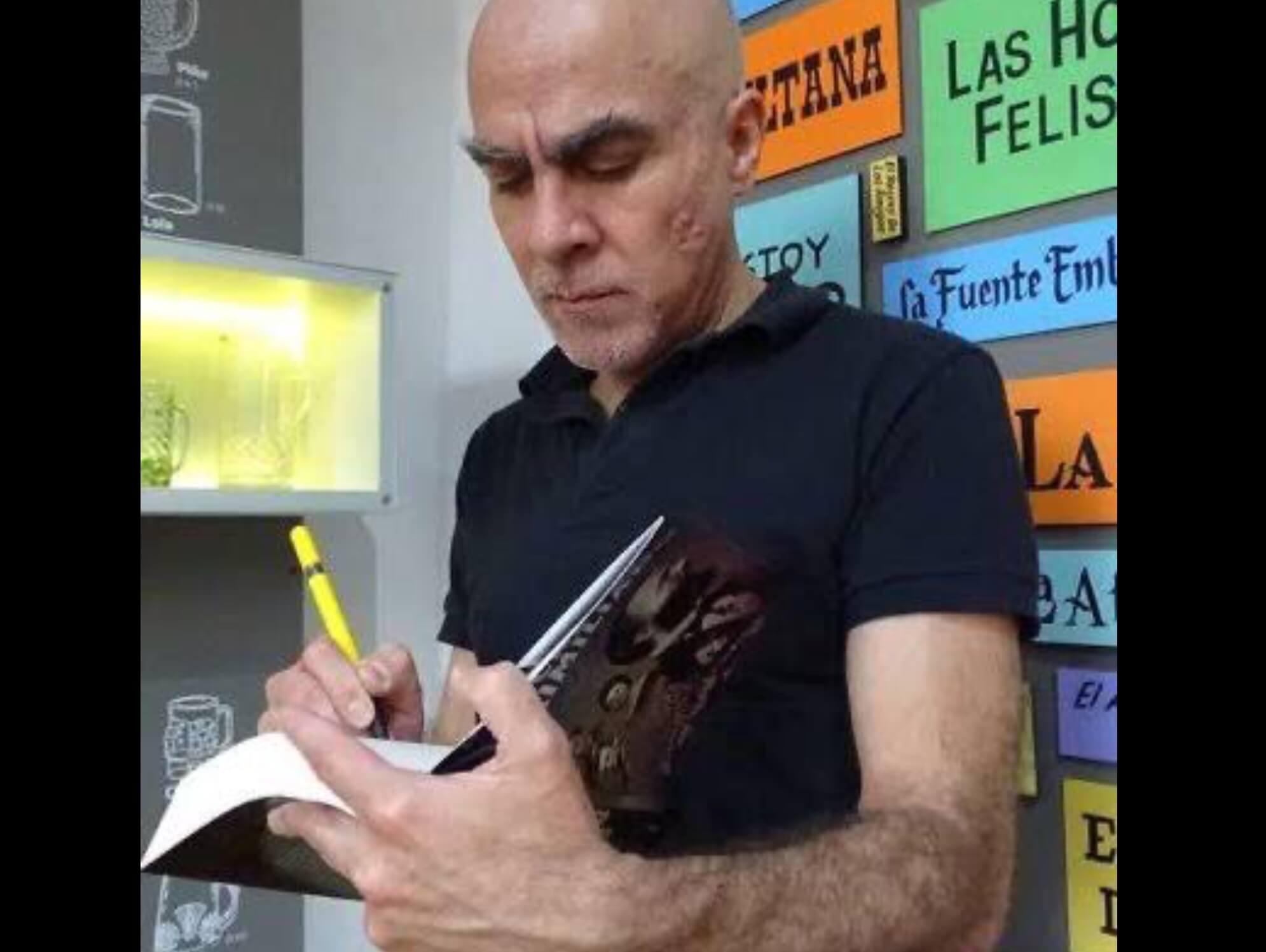 "Leopoldo Mendivil presenta ""Secreto Azteca"" en UAEM"